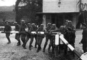 b_300_200_16777215_00_images_1939-09-01Rodzinca-Wybuchu-II-Wojny-Swiatowej.jpg